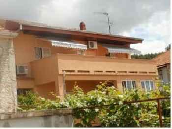 Apartments and rooms Nediljko