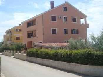 Apartments Luana 201
