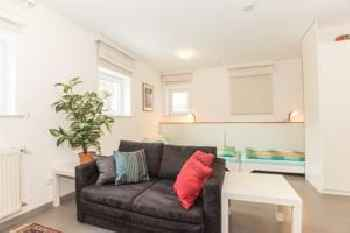 Quiet and cosy Studio for two in Munich Laim