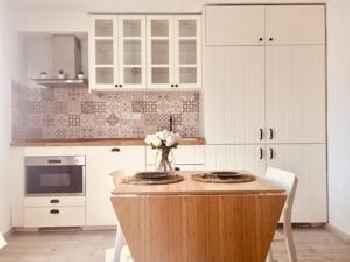 Beautiful apartment stylish village house @ Center 201