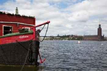 Den Röda Båten 215