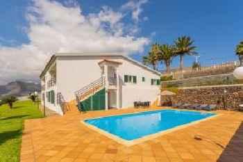 Feels Like Home Luxury Sunrise Villa with Pool 213