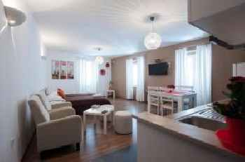 Rooms & Apartments 72 201