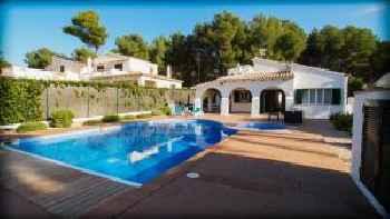 Chalet con piscina y jacuzzi (climatizado) para 8 personas 220
