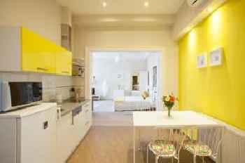 Mentha Apartments 201