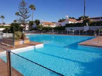 Nelidas Pri. Bungalow Pool & wifi free. 220