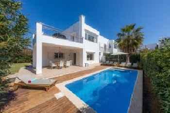 Villa Beatriz 220