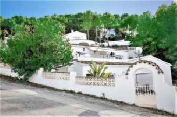 Apartamento en Moraira con jardin privado