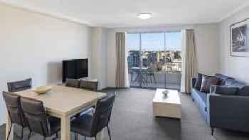 Oaks Sydney Castlereagh Suites 219