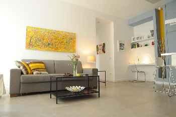 Apartamentos baratos en roma alquiler por d as vacaciones for Apartamentos baratos en sevilla por dias