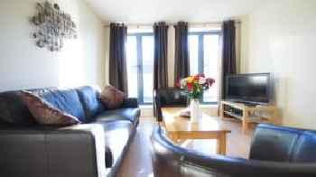 Crompton Court Apartments 201