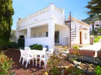Modern Holiday Home with Private Terrace in Roses Spain 220