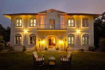Casa Zorawar Homestay by Vista Rooms 213