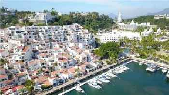 Puerto Las Hadas 201