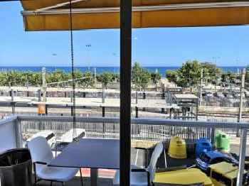 Luxury Apartment Accommodation, next to beach & train station Calella 201