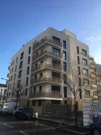 Appartement avec Balcon Immeuble Standing 201