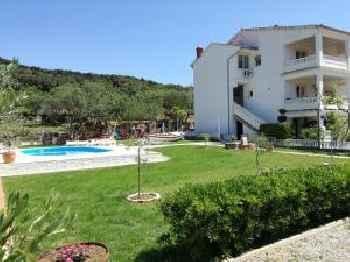 Apartments Robi- swimming pool and beautiful garden 201