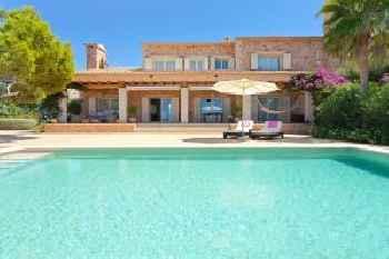 Puig de Ros Villa Sleeps 8 with Pool Air Con and WiFi 213