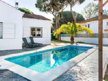 Blissful Holiday Home in Isla Cristina with Private Swimming Pool 213