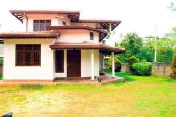 Leonie House 220