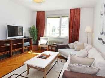 Apartment Opera 201