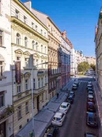 Downtown Suites Kodanska 219