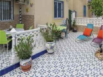 Apartment C. Rodrigo 201
