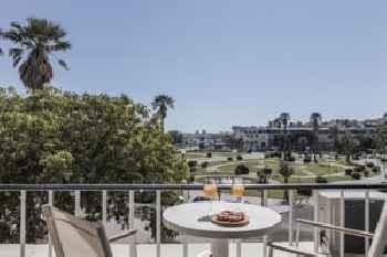 Rent4Rest Estoril Beachfront Apartments 201