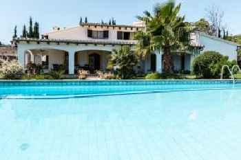 Villa Clos 220